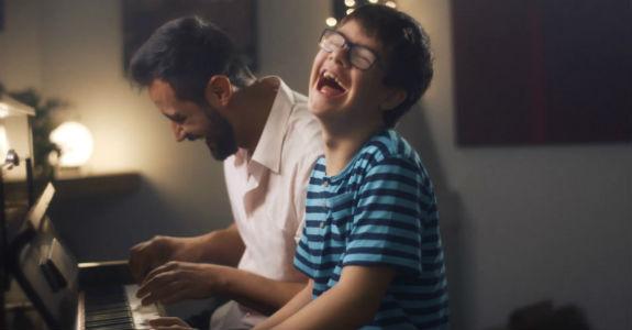 Globo e SBT exaltam as pequenas alegrias no fim do ano