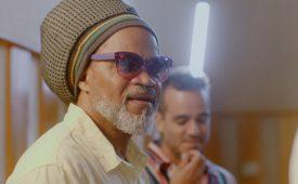 Com Carlinhos Brown e TikTok, Havaianas lança manifesto