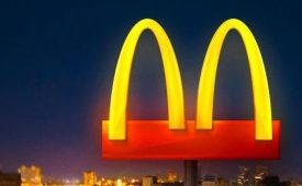 McDonald's volta atrás em ação de logo separado