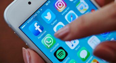 Contra notícias falsas, WhatsApp limita encaminhamento