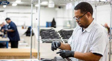 Ford fecha suas três fábricas no Brasil