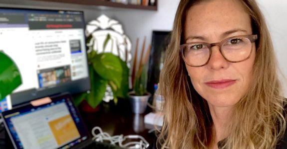 """Renata Leão: """"Vantagem de criar em casa é que foco triplica"""""""