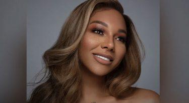 L'Oréal faz as pazes com modelo negra que demitiu
