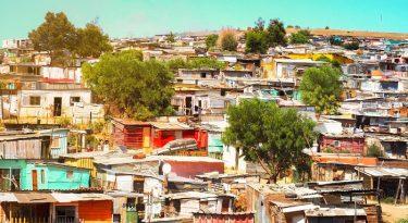 Campanha leva teste de Covid-19 às favelas brasileiras