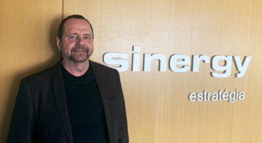 Sinergy admite diretor comercial nacional