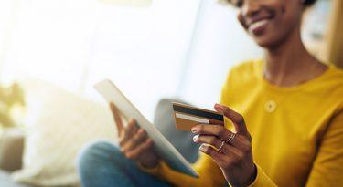 Blacks temáticas movimentam R$ 10 milhões no e-commerce