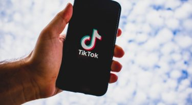 TikTok processa Trump para cessar seus ataques