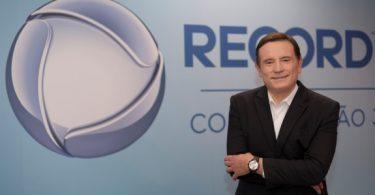 Record TV anuncia a contratação de Roberto Cabrini