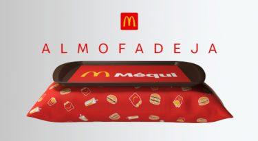 """McDonald's cria almofadeja, para comer """"Méqui"""" no sofá"""