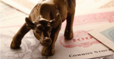 Wall Street: as redes sociais nunca dormem