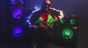 Philips estreia campanha com o rapper Thaíde