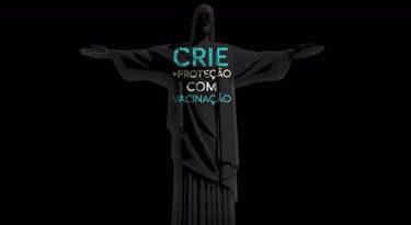 Em ação da Pfizer, Cristo Redentor abraça pacientes