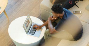 A publicidade digital financia conteúdo inclusivo ou excludente?