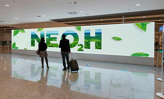 NEOOH é Carbon Friendly - Operação compensa 100% da pegada de carbono de mais de 120 aeroportos, terminais e circuitos de mídia out of home.