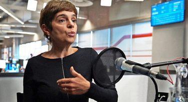 """Podcast alavanca sustentabilidade do jornalismo"", diz Renata Lo Prete"