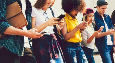 Geração Z: 60% costumam seguir marcas nas redes sociais